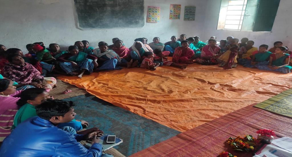 ग्रामीण भारत में ग्राम संगठन कैसे बदलाव लाते हैं