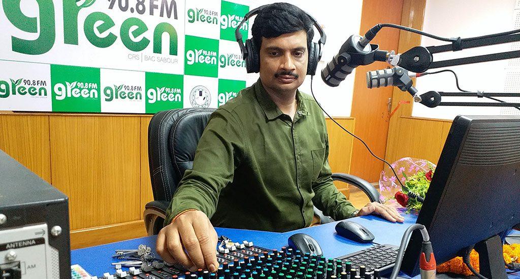 सामुदायिक रेडियो से ग्रामीणों को तथ्यात्मक, समय पर जानकारी मिलने में मदद मिलती है