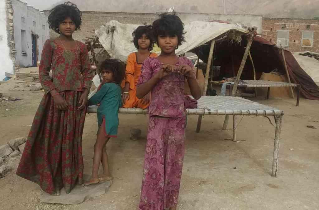 किशोरी बालिकाओं में बढता कुपोषण: स्वस्थ भारत के अस्वस्थ युवाओ ..