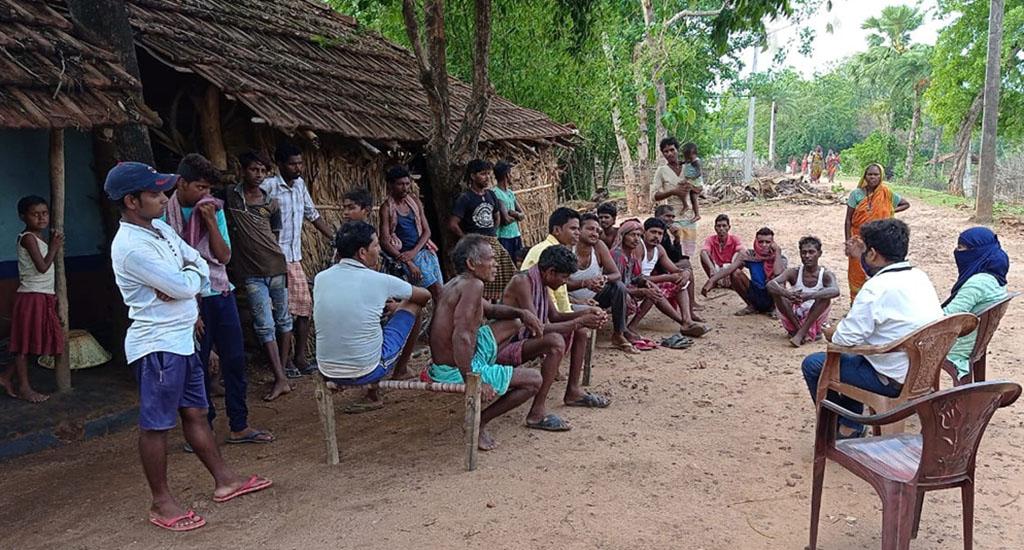 जागरूकता से ग्रामीणों में टीके का डर धीरे-धीरे कम हुआ