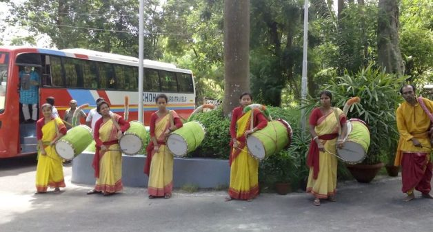 Women dhakis are stepping out of their home and hearth to play the drum.