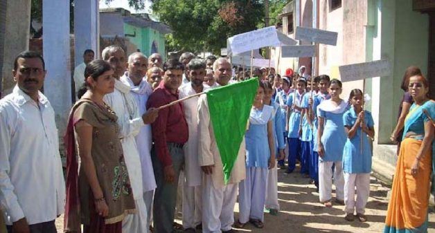 Schoolchildren in Majra taking out a procession in support of cleanliness. (Photo by Tarun Kanti Bose)