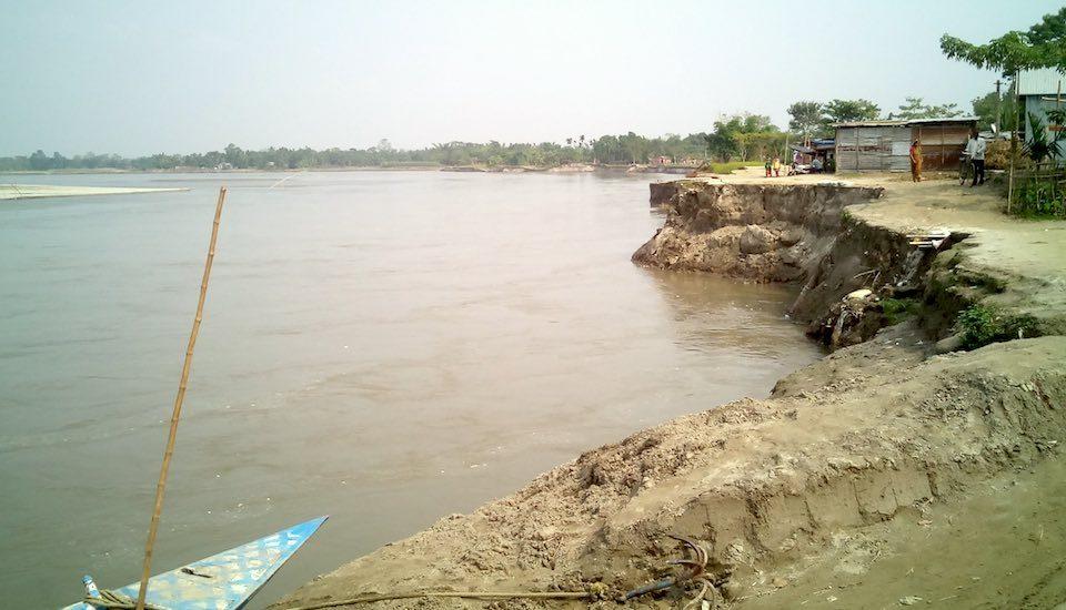 Riverbank erosion on the Beki River continually threatens habitations in Barpeta district of Assam. (Photo by Sayanangshu Modak)