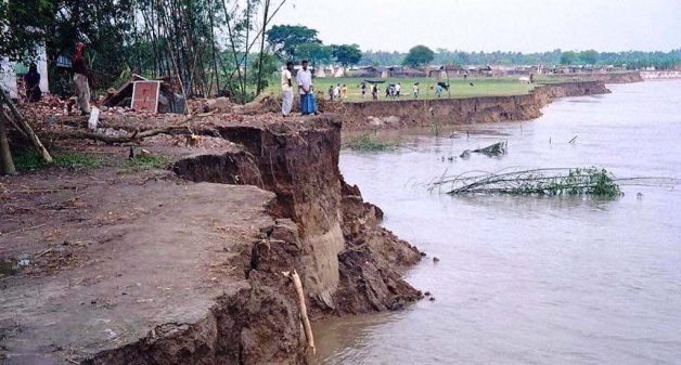 Unchecked river erosion has led to loss of habitation and livelihoods (Photo by Tarun Kanti Bose)