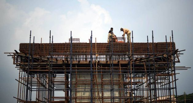 Migrant workers construct a bridge in Palakkad district (Photo by Centre for Migration and Inclusive Develop-ment)