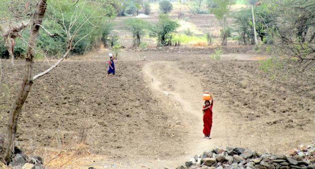 Barren farmland and long walks to fetch drinking water is common in Marathwada. (Photo by Nidhi Jamwal)