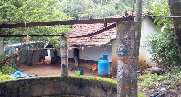 Prosperity and squalor coexist in many parts of northern Kerala. (Photo by K. Rajendran)