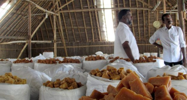 Traders at a jaggery auction center in Neikkarapatti. (Photo by Chithra Ajith)
