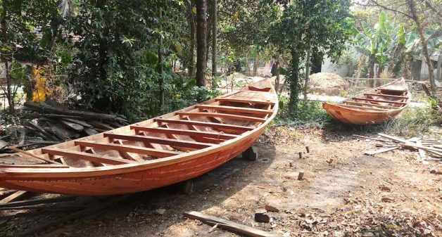 With state government launching a floating market, the boatwrights are hopeful that their boats would be in demand. (Photo by Gurvinder Singh)