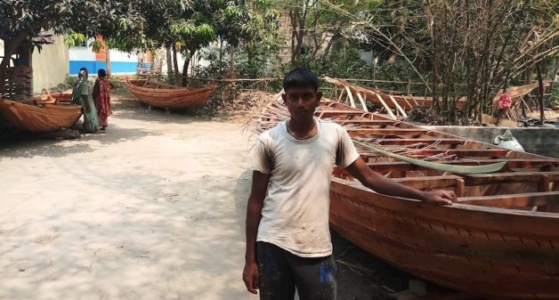 Sheikh Khokhan, a young boat maker, runs his household with his wife augmenting the family income. (Photo by Gurvinder Singh)