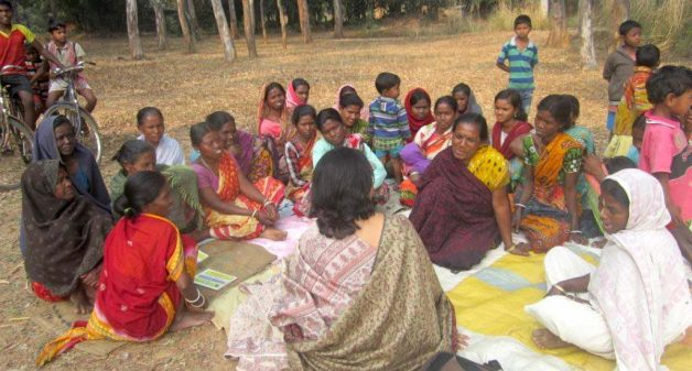 A meeting of a women's self-help group. (Photo by Tagore Society for Rural Development)