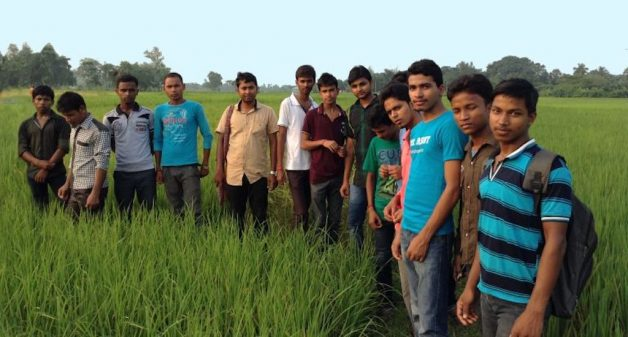 Young, educated professionals from villages of Uttar Dinajpur in West Bengal are turning to their roots, reviving ecofriendly farming (Photo by Moushumi Basu)