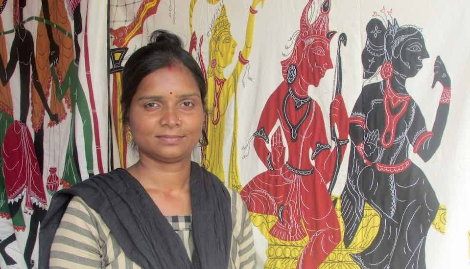 Women artisans like Tina Chhatoi do most of the stitching involved in applique work in Pipli, a hub for traditional and modern applique handicraft (Photo by Rakhi Ghosh)