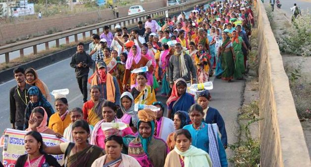 Women from across Karnataka marched from Chitradurga to Bengaluru in January 2019, intensifying their demand for a liquor ban (Photo by Madya Nishedha Andolana)