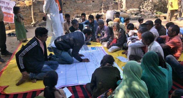 Participants of padyatra stop at villages to discuss their problems and find collective solution (Photo by Rakhee Roytalukdar)
