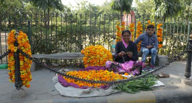 Women farmers find it profitable to sell the flowers directly at the Udaipur markets, especially during festivals (Photo by Manish Kumar Shukla)