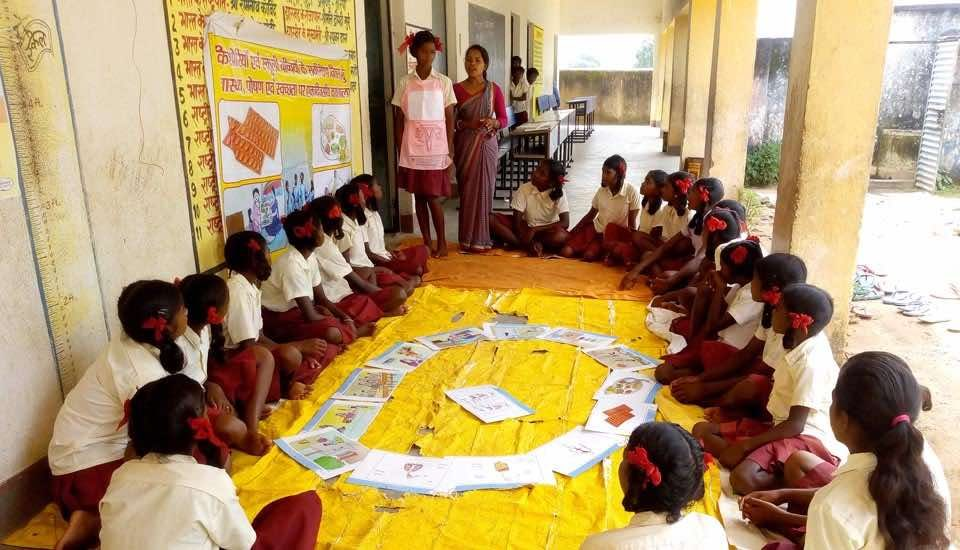 Through stories and games that demystify menstruation, schoolgirls in rural Jharkhand learn about menstrual cycle and hygiene (Photo by PHRN)