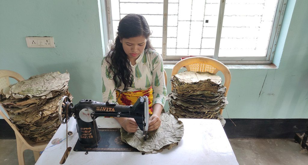 Making sal leaf plates lifts women out of poverty