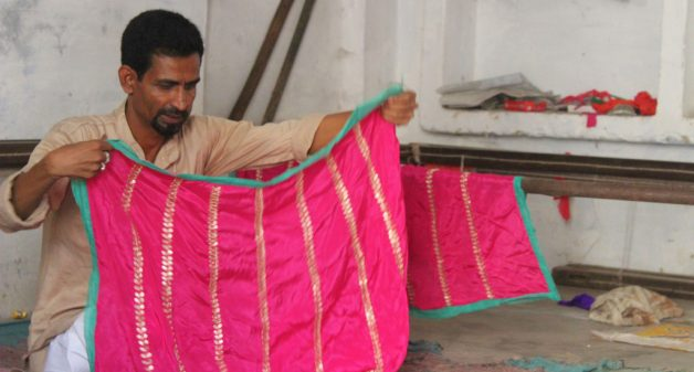 Lockdown drives embroidery artisans to alternate jobs