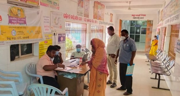 Mandatory registering on Co-WIN hampers universal vaccination
